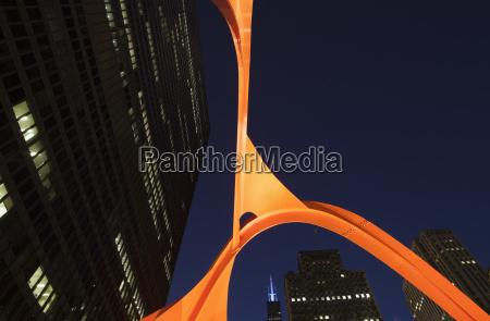 alexander calders flamingo sculpture at federal