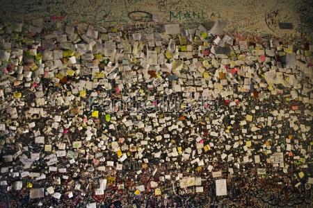 liebesbotschaften an wall of julia verona