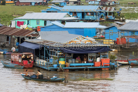 floating village in the tonle sap