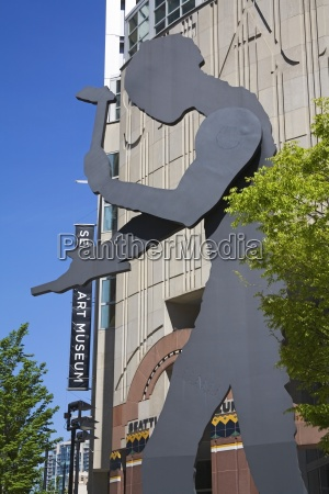 hammering man sculpture by jonathan borofsky