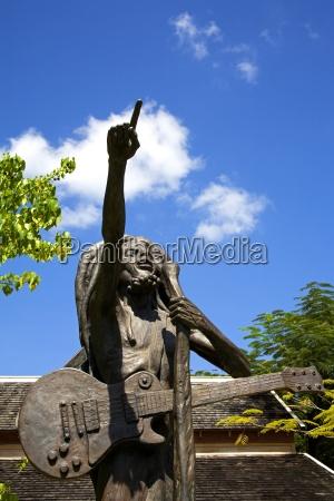 bob marley statue von christopher gonzales