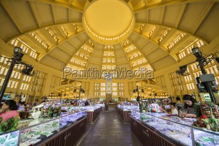 interior of central market hall phnom