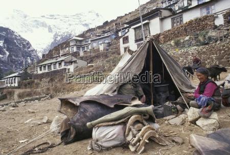 living in a tent namche bazaar