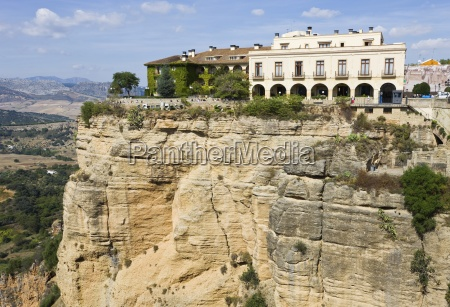 hotel on scenic clifftop andalusien spanien