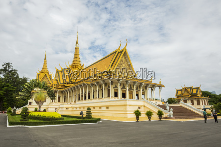 throne hall inside the royal palace