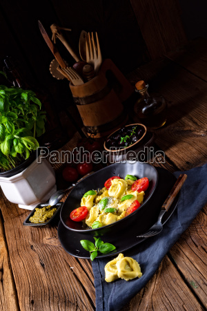 rustic spinach tortellini with cheese and
