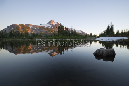 mt jefferson reflected in russell lake