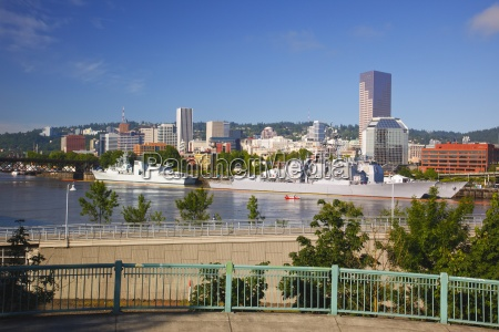 willamette river and portland waterfront during