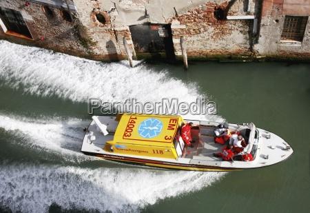 venezianische seekrankenwagen venedig italien