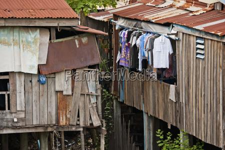 housing in the slums phnom penh