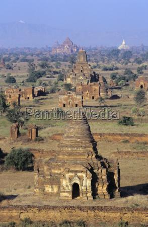 architektonisch historisch geschichtlich religioes tempel glaeubig
