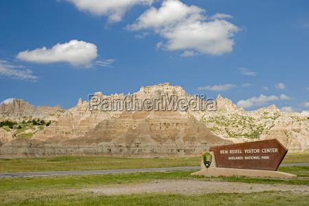 the entrance of badlands national park
