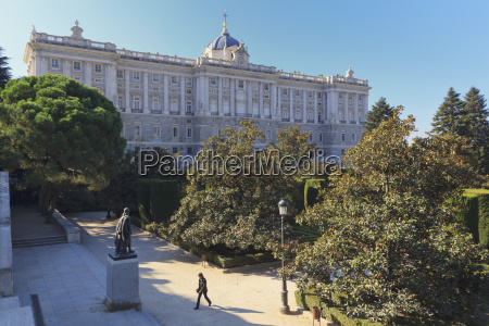 the royal palace madrid spanish