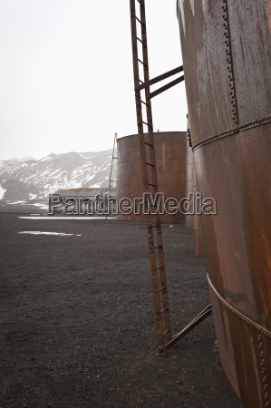 whale oil tanks in whalers bay