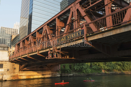 kayakers in the chicago river paddling