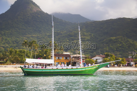 coastal port of ilha grande island