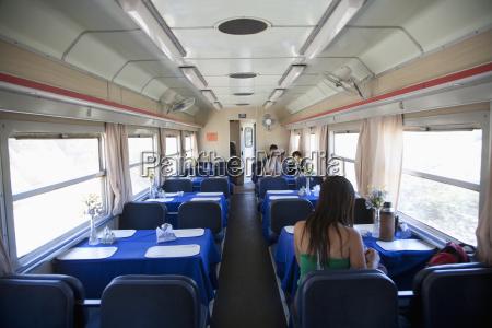 wara wara del sur train dining