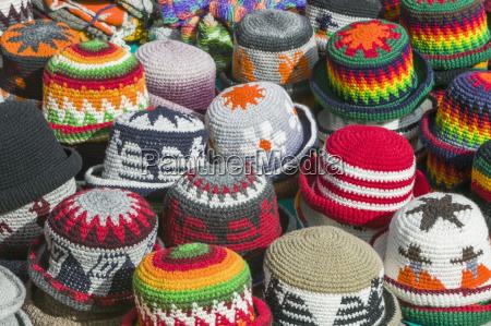 strickhaken zum verkauf am markt otavalo