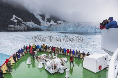 tourists on the polar star view