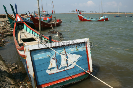 the stern of a traditional fishing