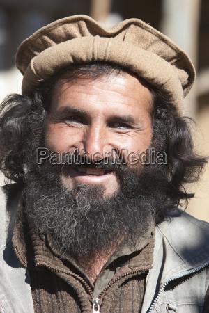 afghan man in chahar deh ye