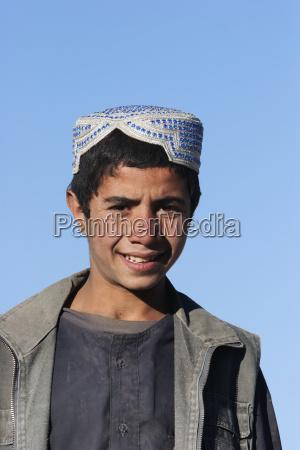 afghan man in tajekha vardak province