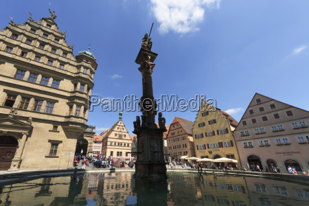 st george and the dragon fountain