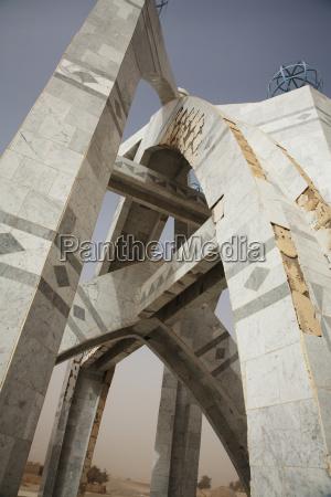 fahrt reisen denkmal mahnmal monument gedenkstaette
