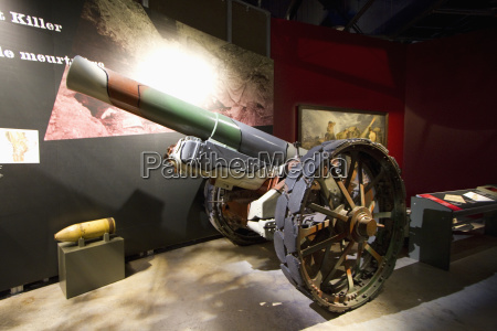 artillery gun in the vimy legacy
