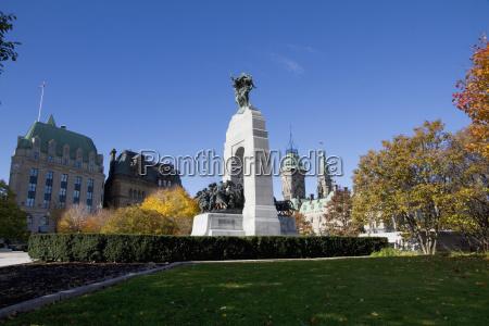 the response national war memorial ottawa