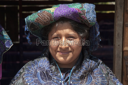 tzotzil maya woman wearing a traditional
