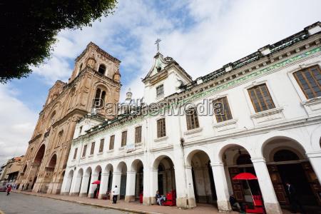 neo classical building by abdon calderon