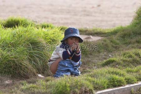 aymara girl going potty copacabana la