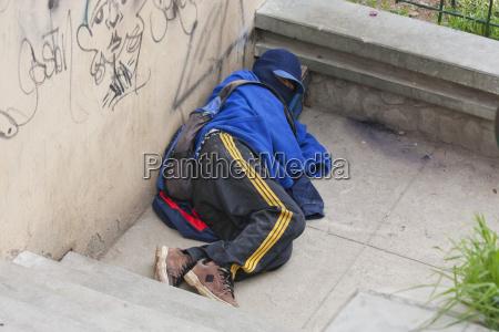 obdachloser shoe shine boy la paz