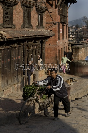 street scene ancient city of bhaktapur