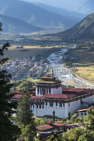 rinpung, dzong, in, the, paro, valley; - 25527122