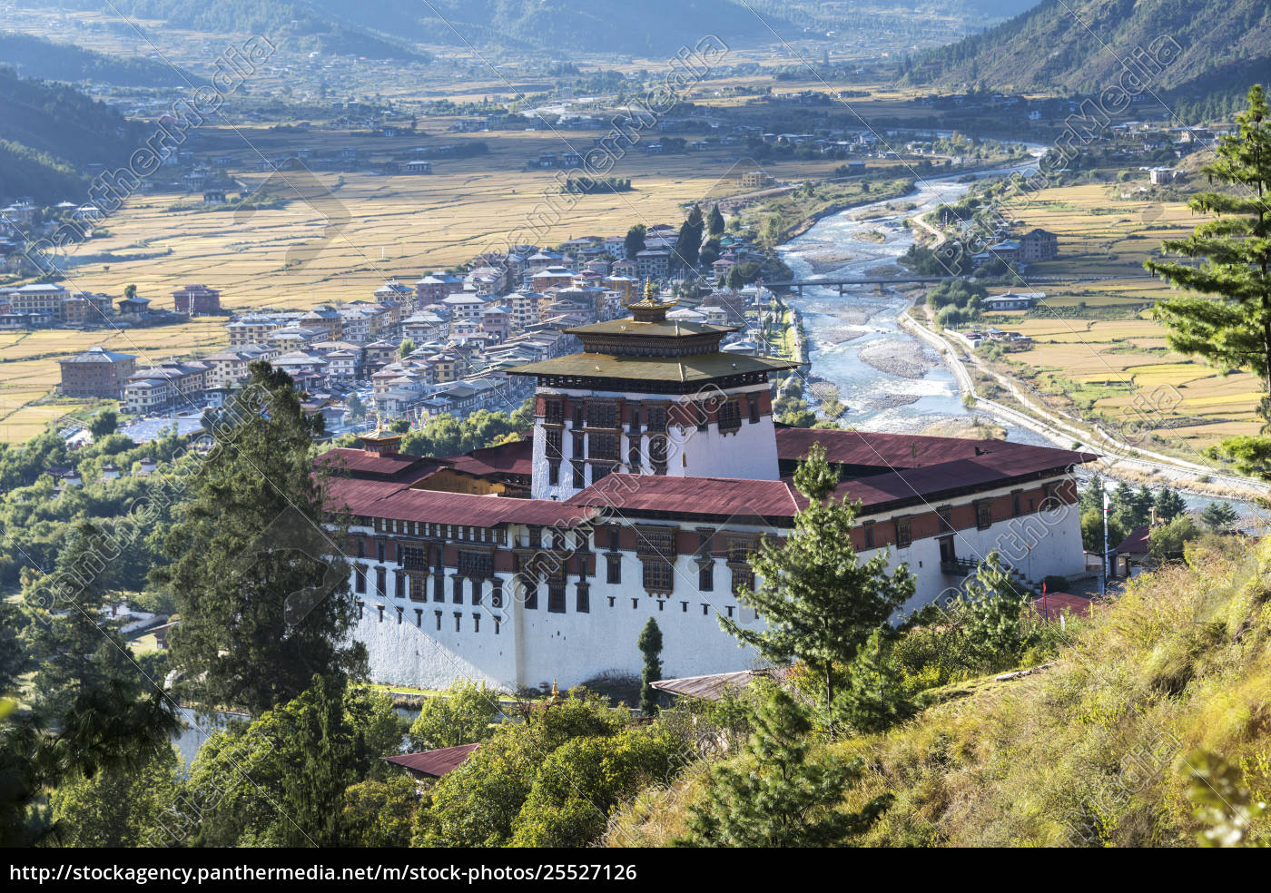 rinpung, dzong, in, the, paro, valley; - 25527126