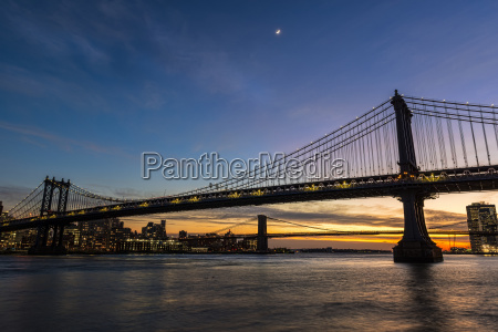 manhattan and brooklyn bridges at twilight