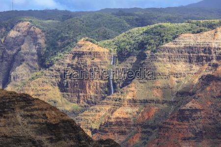 waimea canyon waterfall waimea kauai hawaii