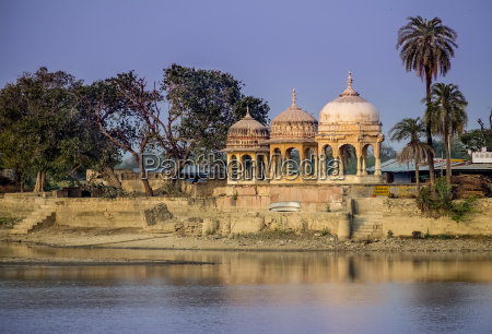 chhatri elevated dome shaped pavilions used