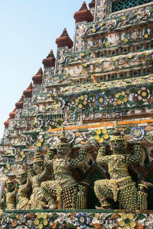 wat arun buddhist temple bangkok thailand