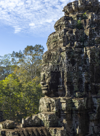 buddhist structure at bayon temple angkor