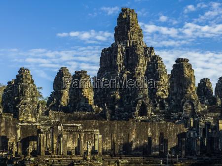 phnom bakheng angkor thom angkor archeological