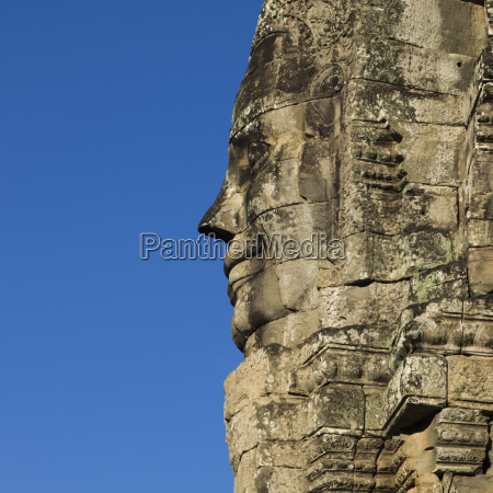 buddhist statue bayon temple angkor thom