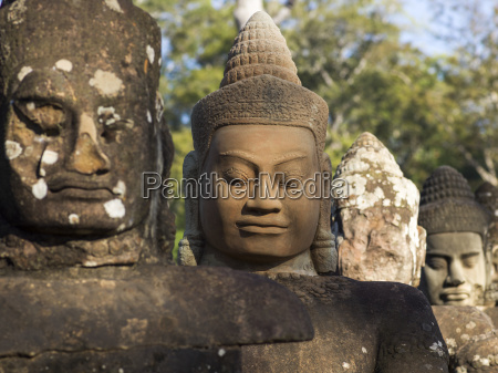 buddhist statues south gate angkor thom