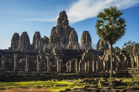 bayon temple angkor thom krong siem