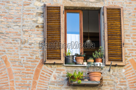 close view of a montepulciano brick