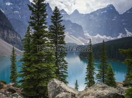 stunning view of the rugged canadian