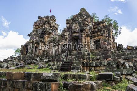 ancient angkorian temple at wat ek