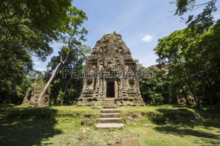 tower in prasat yeah puon the